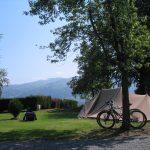 Emplacement tente au calme – Camping du lac Hautes-Pyrénées